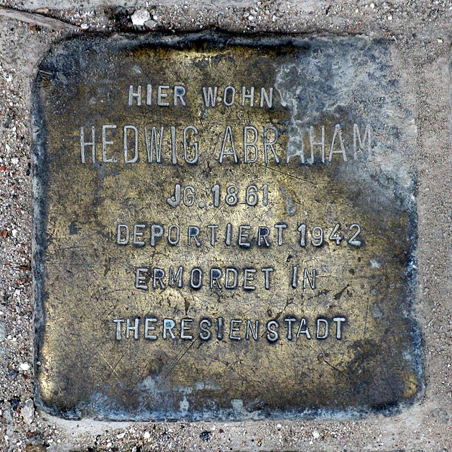Photo of Hedwig Abraham brass plaque