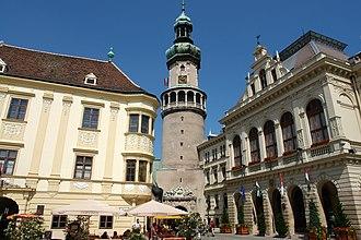Sopron - Image: Storno ház Tűztorony és Városháza