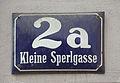 Strassennummernschild, Kleine Sperlgasse 2a, Wien.jpg