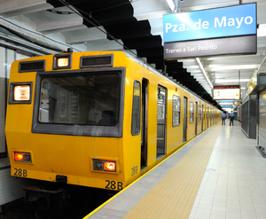 Fiat-Materfer (Buenos Aires Underground) - Fiat-Materfer at Plaza de Mayo station on Line A