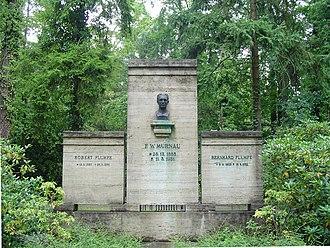 F. W. Murnau - Grave and bust by Ludwig Manzel in Stahnsdorf Southwestern Cemetery
