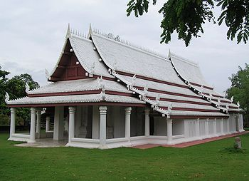 Sukhothai style temple