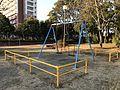 Swing in Kashiihama West Park.jpg