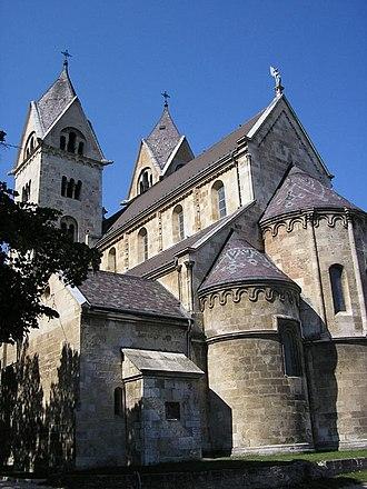 Győr (genus) - The monastery of Lébény