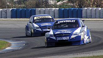 2006 TC 2000 Championship - Matías Rossi (leading, ahead of teammate Marcelo Bugliotti) edged out Juan Manuel Silva by one point.
