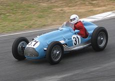 https://upload.wikimedia.org/wikipedia/commons/thumb/5/50/Talbot_Lago_Type_26C_of_Ron_Townley.jpg/230px-Talbot_Lago_Type_26C_of_Ron_Townley.jpg