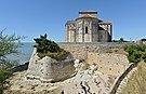 Talmont 17 Église remparts 2013.jpg