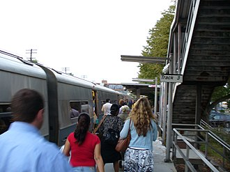 Hudson Line (Metro-North) - Tarrytown station on the Hudson Line