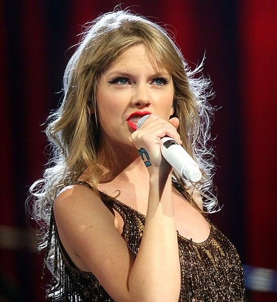 549px-Taylor_Swift%2C_2012.jpg