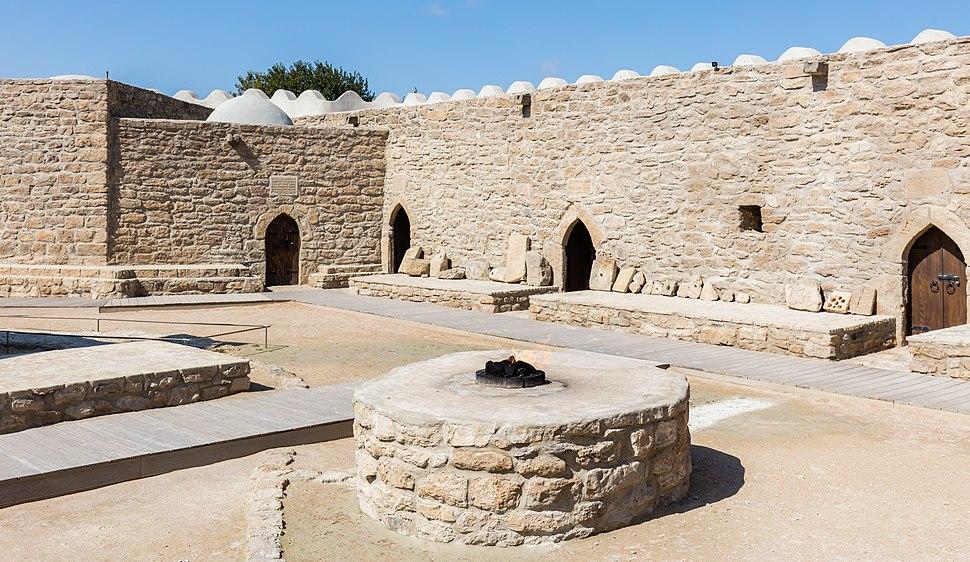 Templo de fuego, Baku, Azerbaiyán, 2016-09-27, DD 34