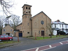 The Catholic Church of the Holy Ghost, Crowthorne - geograph.org.uk - 106905.jpg