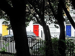 English: Three doors in Wilmington Square Thre...