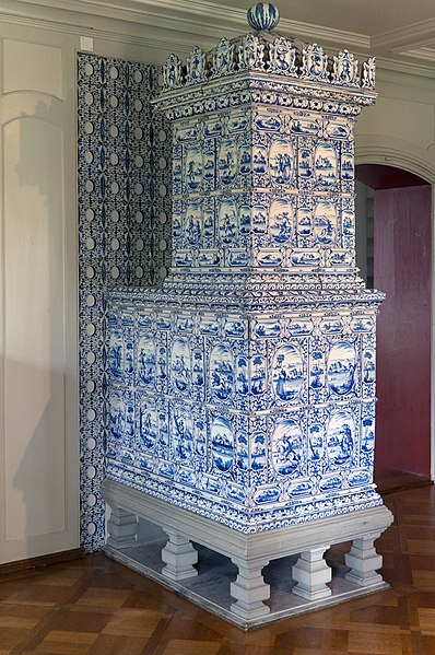 File:Tiled stove 01.jpg