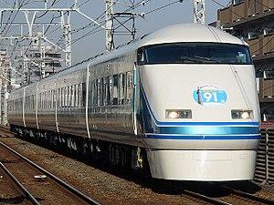 Limited express - Image: Tobu 100iki
