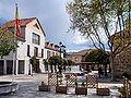 Torrelodones. Plaza de la Constitución y bandera.jpg