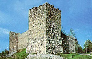 Montemonaco - Torrioni on Montemonaco walls