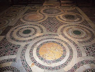 Quincunx - Cosmatesque pavements with the quincunx pattern