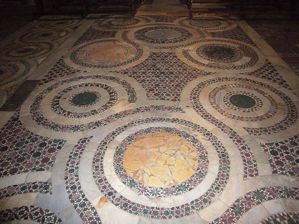 Trastevere - s Benedetto in Piscinula pavimento 1040040