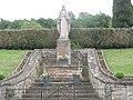 Troisfontaines (Moselle) statue Sacré-Coeur.jpg