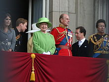 Il principe William (secondo da sinistra) in uniforme, con la famiglia reale alla balconata di Buckingham Palace durante il Trooping the Colour, 2007.