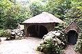 Tuinhuis met grot.JPG