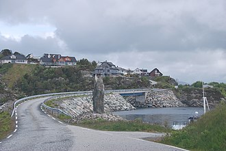 Tyssøy - View of the bridge connecting Tyssøy and Bjorøy