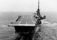 USS Essex (CVS-9) crash barrier 1961.jpeg