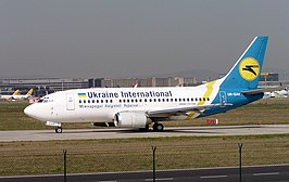 Een Boeing 737-500 van Ukraine International Airlines