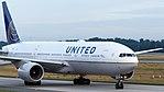 United Airlines Boeing 777-200ER (N795UA) at Frankfurt Airport.jpg
