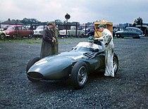 Vanwall VW5 Aintree 1957.jpg