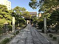 View of gate of Sofukuji Temple from inner side.jpg