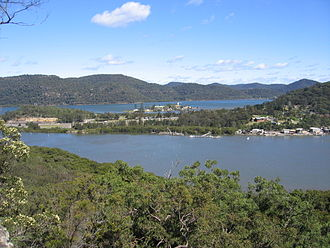 Spectacle Island (Hawkesbury River) - The village of Mooney Mooney and Peat Island, as viewed from the top of Spectacle Island in the Hawkesbury River