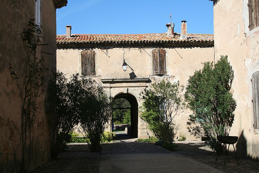 Villeneuvette (Hérault) - porte latérale nord.
