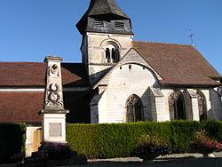 Villiers Herbisses Église et Monument aux Morts.JPG
