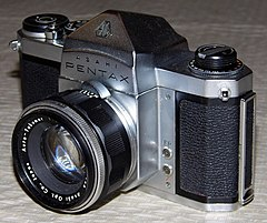 Vintage Asahi Pentax 35mm SLR, Model H2, Fully Mechanical, Made In Japan, Circa 1959 - 1961 (13365631503).jpg