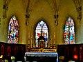 Vitraux du choeur de l'église de Rochejean.jpg