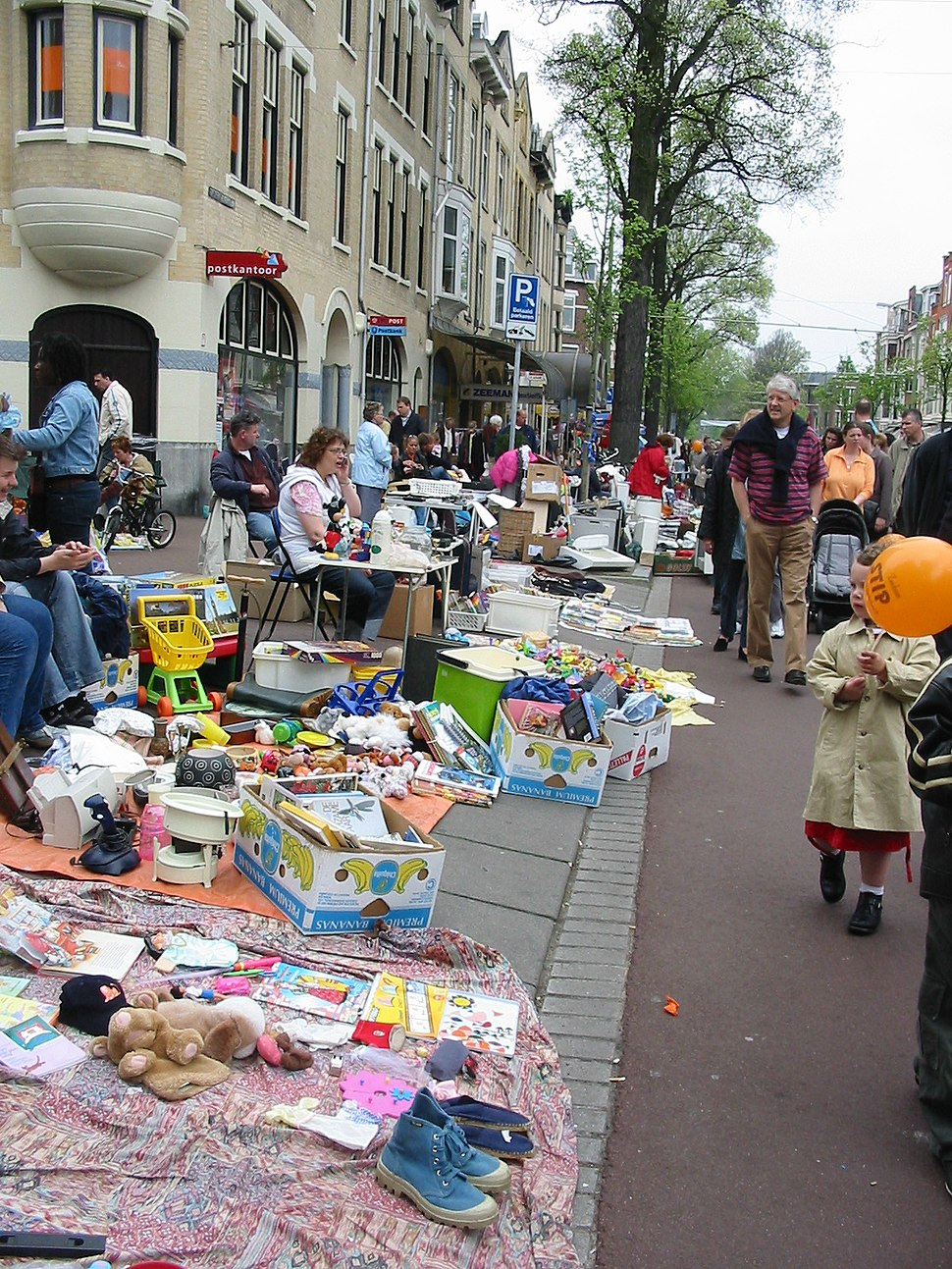 Vrijmarkt Den Haag Koninginnedag 30 april 2005 versie 2