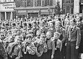 W Kleinfeldt - BDM und Pimpfe auf dem Marktplatz 1.5.1937 (TJiG15).jpg