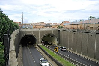 George Wallace Tunnel - Interstate 10 eastbound in downtown entering the Wallace Tunnel.