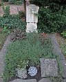 Walter Warnach -grave.jpg