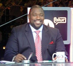 Warren Sapp On the set of NFL Network in 2010.jpg