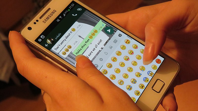 File:Whatsapp texting.jpg