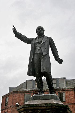 Памятник Уильяму Гладстону на Альберт-сквер в Манчестере.