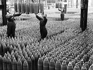 National Shell Filling Factory, Chilwell - Women workers with 6-inch howitzer shells at Chilwell, July 1917