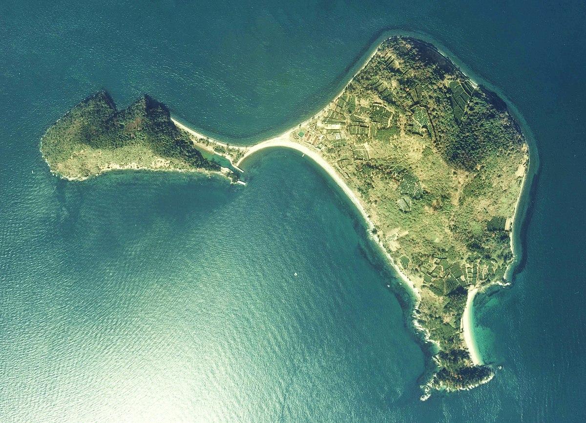 ダッシュ 島 は どこ