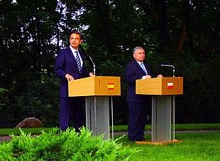 Pol tica exterior wikipedia la enciclopedia libre for Politica exterior de espana