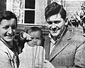 Zbigniew Uniłowski - Z żoną i synkiem 1937 (fot. Artur Rodziński) v2.jpg