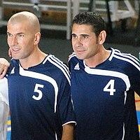 نادي الريال مدريد (الملكي او الميرنغي) 200px-Zidane_Hierro-2