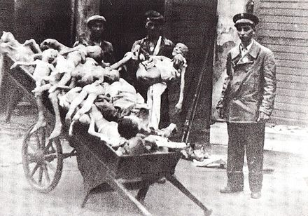 Bodies of children in the Warsaw Ghetto Zwloki dzieci getto warszawskie 05.jpg