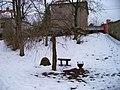 Řevnice, Havlíčkovy sady, lavičky u dětského hřiště.jpg